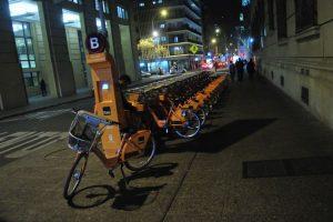 El uso de la bicicleta ha aumentado. De hecho, un 13% de los usuarios que utilizaban vehículos particulares, hoy usan bicicletas públicas. Foto:Agencia UNO. Imagen Por: