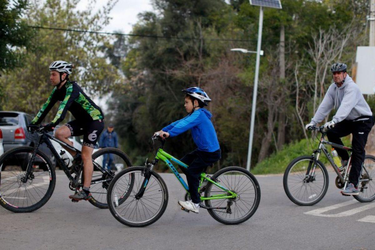 Las medidas para un uso seguro de la bicicleta consideran equipo de seguridad, espacios seguros y educación vial. Foto:Agencia UNO. Imagen Por: