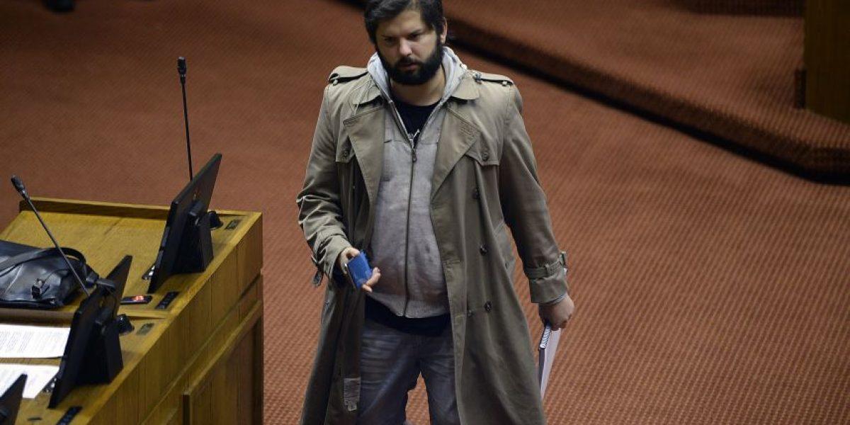 Boric aclaró polémico apoyo a minuto de silencio en homenaje a escoltas de Pinochet