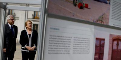 Bachelet inaugura exposición fotográfica de sitios de tortura durante la dictadura