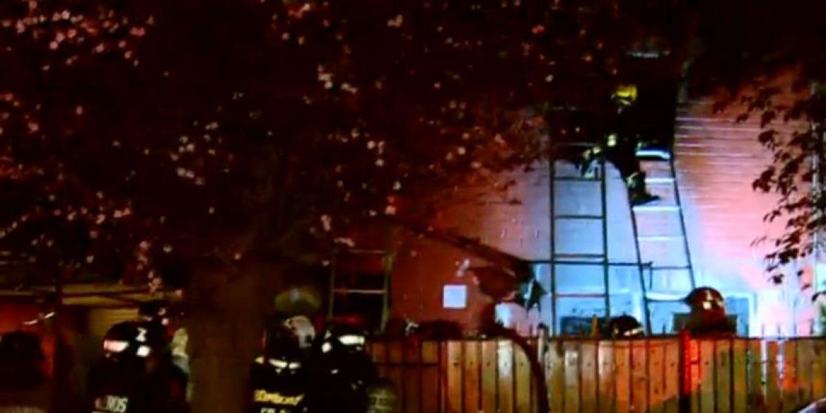 Tres personas fallecidas deja incendio en Puente Alto