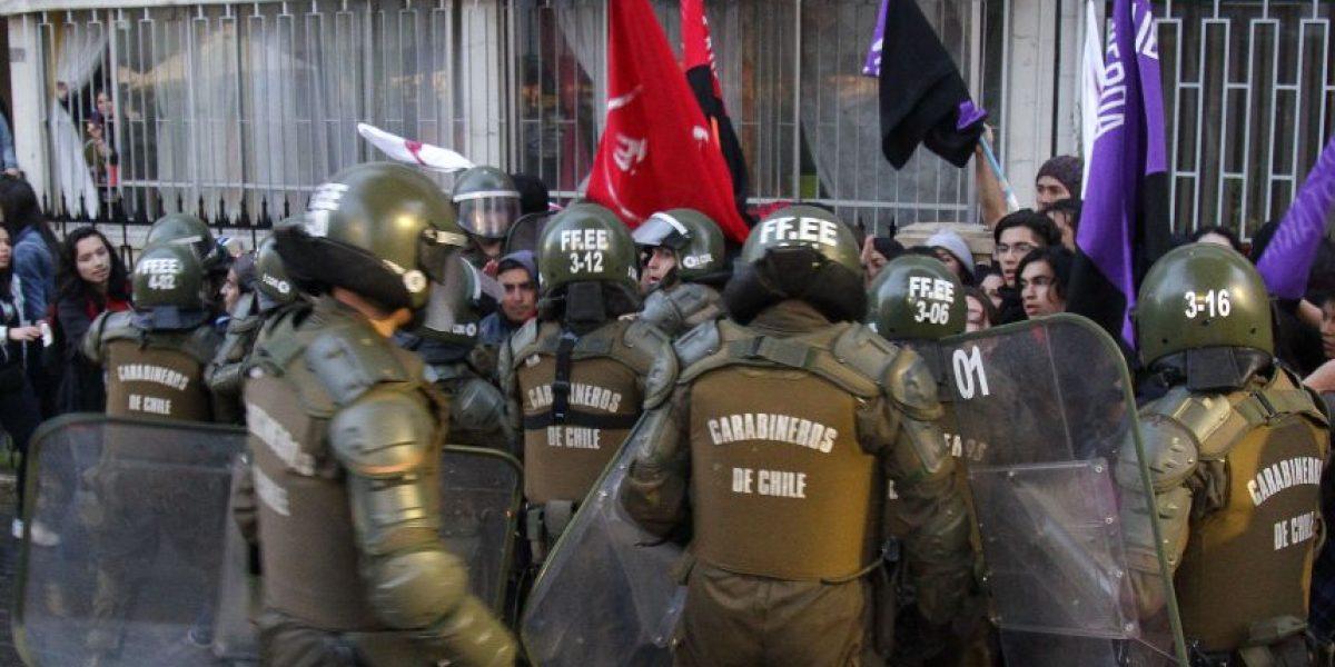Comienzan manifestaciones por los 43 años del golpe militar: 40 detenidos en Concepción