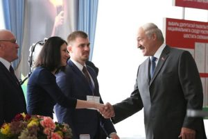 El líder de Bielorrusia, Alexandr Lukashenko Foto:EFE. Imagen Por: