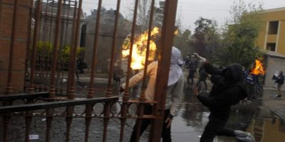 Equipo de prensa fue atacado en incidentes en las inmediaciones del Cementerio General
