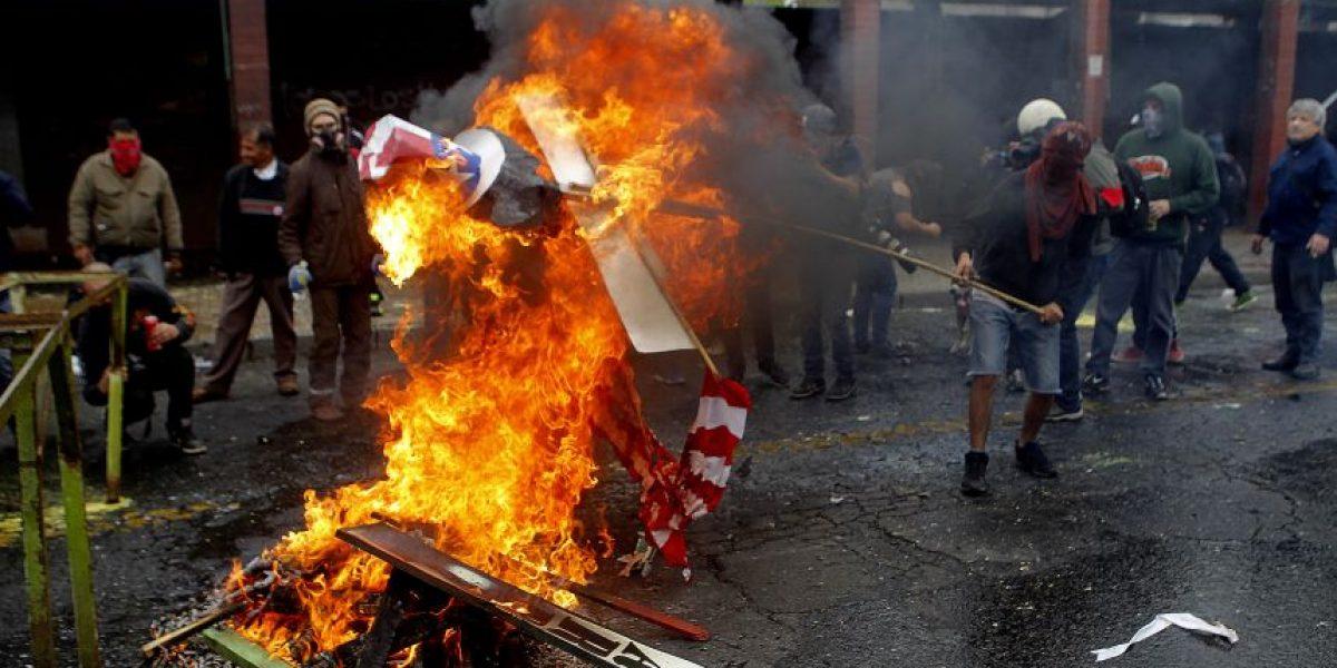 Intendencia se querellará por ataque a equipo de prensa tras romería en el Cementerio General