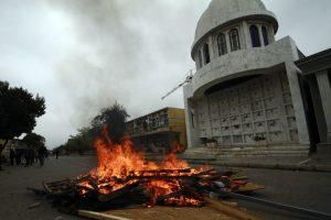 La querella será presentada ante tribunales por el delito de robo con violencia. Foto:Aton. Imagen Por: