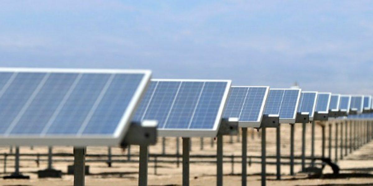 Invertirán US$800 millones para potenciar la industria de la energía solar en Chile