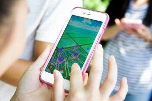 """Si fuiste uno de los que recibió el mensaje """"este dispositivo, sistema operativo o software no es compatible con Pokémon Go"""", puede ser a que tu celular esté vetado por que esté rooteado o tenga el jailbreak. Foto:Efe. Imagen Por:"""