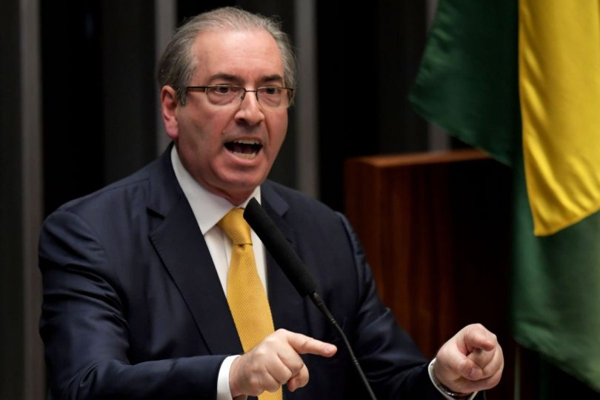 La sentencia lo inhabilitó para postularse o ejercer cargos públicos por ocho años, a diferencia de Rousseff que conservó sus derechos políticos. Foto:Afp. Imagen Por: