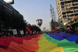"""""""En Chile aún existen grandes índices de discriminación y se hace necesario generar educación al respecto"""", menciona la psicóloga Eliana Navarrete. Foto:Agencia UNO. Imagen Por:"""