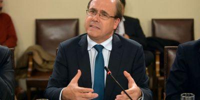 Undurraga anuncia querella tras ser vinculado a fraude en FEN de la U. de Chile: