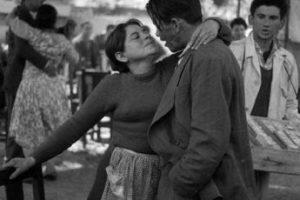 Fonda del Parque Cousiño, actual Parque O´Higgins de Santiago de Chile, año 1964. (Fotografía de Patricio Guzmán) Foto:Reproducción Fotos Históricas de Chile. Imagen Por: