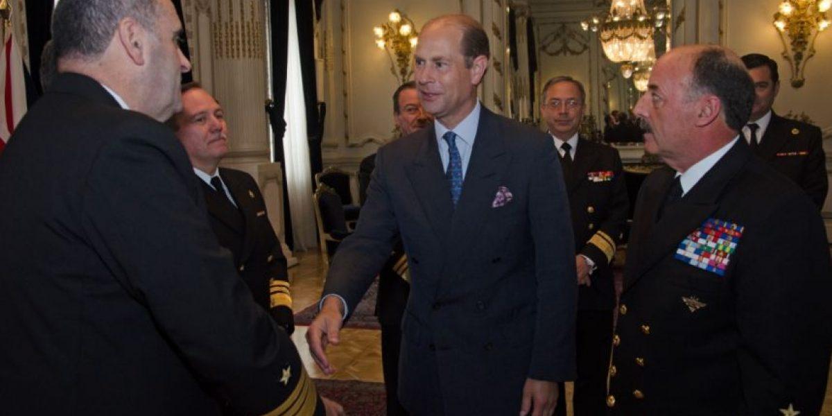 Príncipe Edward visita Comandancia en Jefe de la Armada y Escuela Naval en Valparaíso