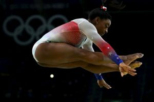 Getty Images Foto:Estuvo muy cerca de conseguir el pleno en medallas de oro, pero falló en la barra. Imagen Por: