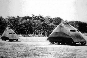 Tanque venezolano o Darth Vader: en 1934 el ejército venezolano quiso sumarse a la producción de vehículos blindado y ocupó un camiones Ford, a los que les colocó orugas en la parte de atrás y dotó de un llamativo blindaje. Su pacido al casco del personaje de la Guerra de Las Galaxias lo ha transformado en un ícono.. Imagen Por: