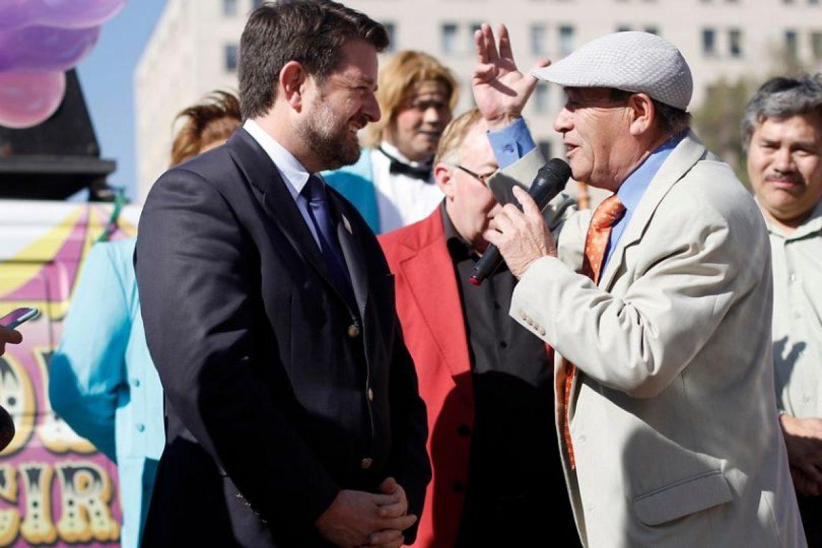 El Tony Caluga junto al intendente Orrego Foto:Agencia UNO. Imagen Por: