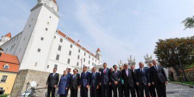 Líderes europeos abordan