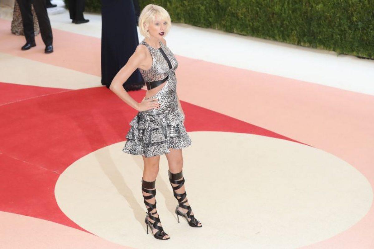 Getty Images Foto:La cantante tiene 246.391.948 entre Instagram, Facebook y Twitter.. Imagen Por: