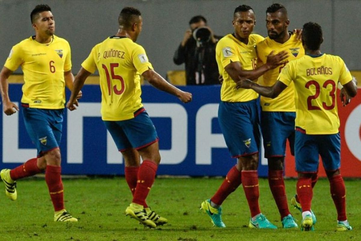 Getty Images Foto:Los ecuatorianos enfrentan a un golpeado Chile y luego jugarán ante Uruguay en el Centenario.. Imagen Por: