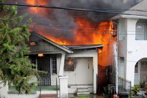 AP Foto:No obedeció las instrucciones de los bomberos. Imagen Por: