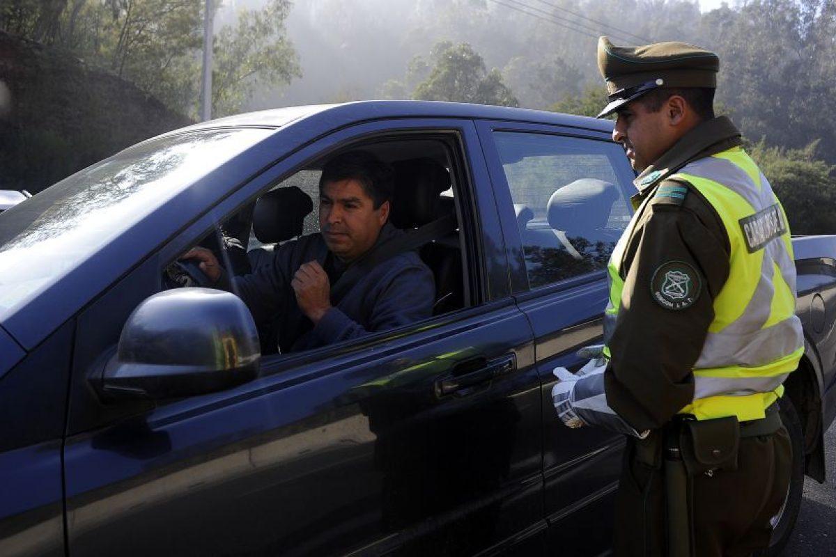 Carabineros ha efectuado 29.750 controles de alcotest, lo que derivó en la detención de 77 personas por conducir en estado de ebriedad. Foto:Agencia UNO. Imagen Por: