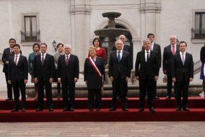 La actividad se realizó en el patio de Los Naranjos del Palacio de La Moneda, previo a la participación de la gobernante en el Te Deum Ecuménico. Foto:Aton. Imagen Por: