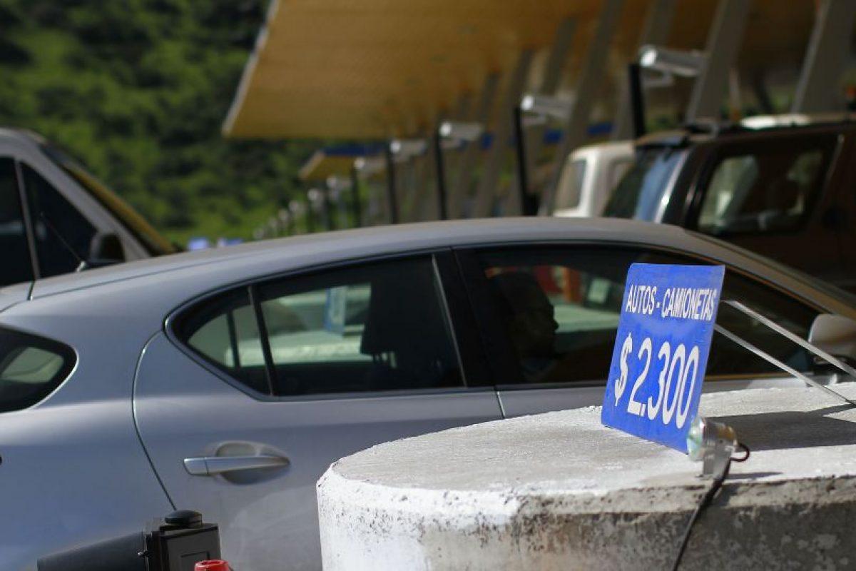 El Ministerio de Obras Públicas reiteró hoy las medidas adoptadas en conjunto con Carabineros y las autopistas para el retorno de los automovilistas previsto para mañana, en el marco del fin de semana largo de Fiestas Patrias. Foto:Agencia UNO. Imagen Por: