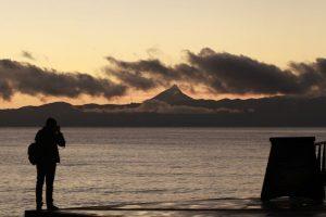 Este domingo se confirmaron las muertes de dos andinistas, uno chileno y otro argentino, que estaban refugiados junto a otro chileno y un trasandino en los faldeos del volcán Puntiagudo, en la Región de Los Lagos. Foto:ATON. Imagen Por:
