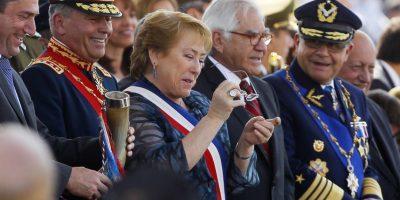Bachelet sufre chascarro cuando realizaba brindis de chicha  en cacho