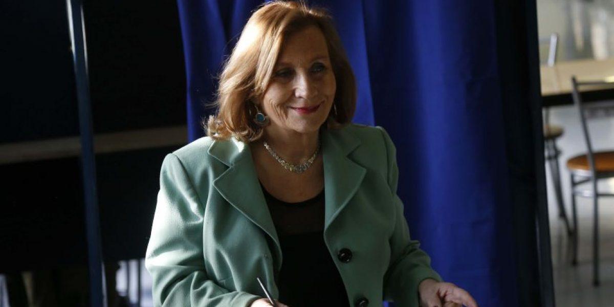 Helia Molina: viaje a EEUU junto a Bachelet es en calidad de
