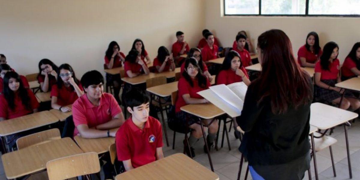 Municipalidad de Santiago anuncia cambio de colegio sólo de hombres a enseñanza mixta