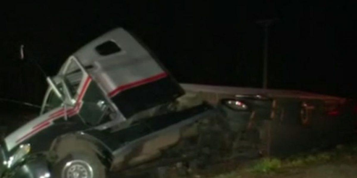 Al menos un fallecido: camión aplastó a vehículo particular tras accidente en Ruta 5 Sur