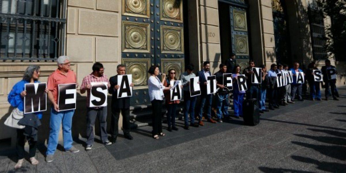 Reajuste salarial: Mesa de diálogo del sector público se divide y rechaza liderazgo de la CUT