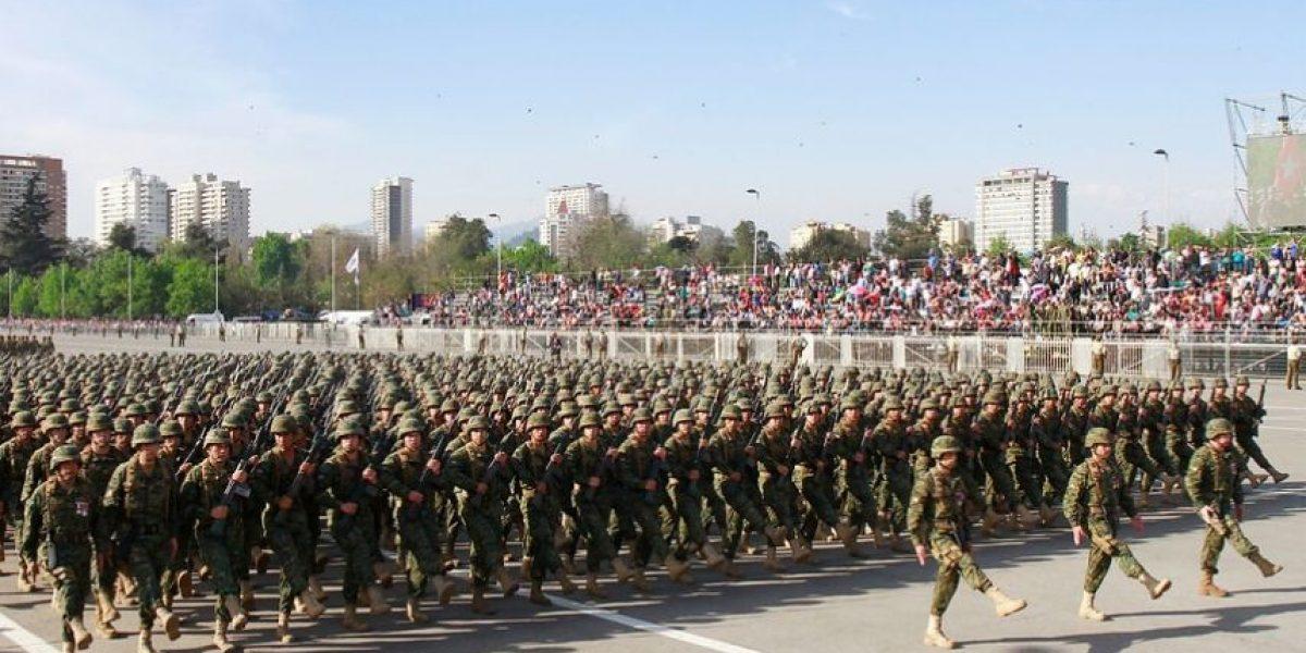 Ministro Gómez asegura que 30 ex funcionarios de la CNI siguen en servicio activo en el Ejército