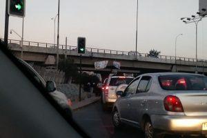 Hasta el lugar llegó Fuerzas Especiales de Carabineros para retirar a los manifestantes del lugar. Foto:Reproducción Twitter. Imagen Por: