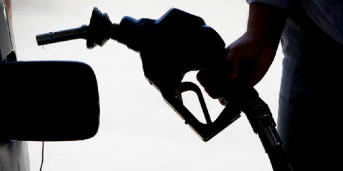 Precio de las bencinas suben nuevamente este jueves