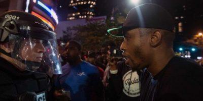 Un herido en la segunda noche de protestas en Charlotte por tensión racial