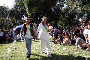 El matrimonio igualitario era uno de los compromisos establecidos en el acuerdo realizado entre el gobierno y el Movilh en julio de este año. Otra materia en la que se acordó trabajar fue la adopción homoparental. Foto:Agencia UNO. Imagen Por: