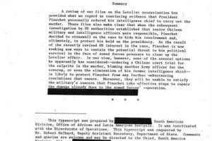 Documento desclasificado de la CIA, en que se señala a Pinochet como la persona que dio la orden de asesinar al ex canciller. Foto:EFE. Imagen Por: