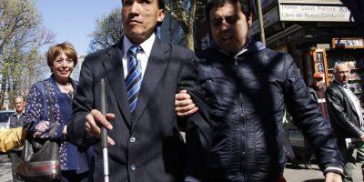 Candidato ciego a concejal lanzó campaña conduciendo un auto en Concepción