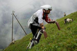 El hombre que se creía cabra recibió su galardón Foto:Reproducción. Imagen Por: