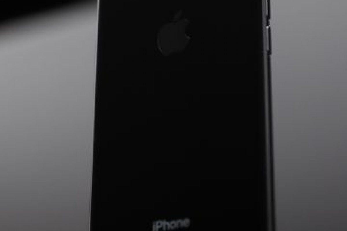 Tim Cook, CEO de Apple, presenta el nuevo iPhone 7 en San Francisco Foto:Getty Images. Imagen Por: