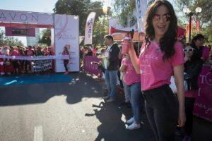 Natalia Oreiro da la partida de la corrida. Foto:Aton Chile. Imagen Por: