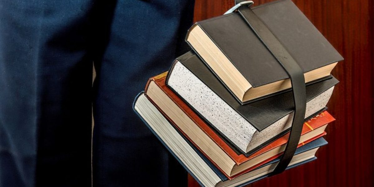Francia está contratando con urgencia profesores de Español