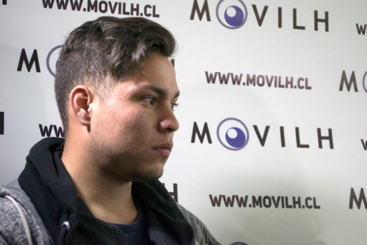 """Morales quería seguir la profesión de su abuelo. Al interior del Ejército sufrió acoso debido a su orientación sexual. """"Ningún documento del Ejército dice que un homosexual no puede ser soldado"""", declaró. Foto:Gentileza del Movilh. Imagen Por:"""