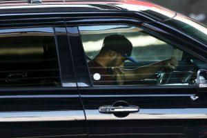 Cuando el conductor opta por 'textear' se ausenta totalmente de la visión y atención que debe tener al conducir y tarda cuatro segundos y 20 metros en recuperarla Foto:Getty Images. Imagen Por: