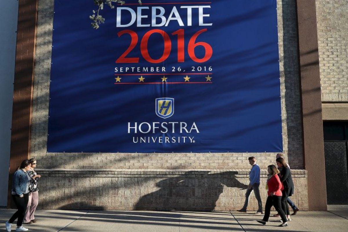 Se realizó un ensayo con estudiantes caracterizados como Hillary Clinton y Donald Trump Foto:Getty Images. Imagen Por: