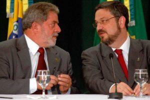 Antonio Palocci, de 55 años, fue ministro de Hacienda (Economía y Finanzas) de Lula entre 2003 y 2006 y jefe de gabinete de Rousseff en 2011, así como un importante operador político del Partido de los Trabajadores. Foto:Efe. Imagen Por: