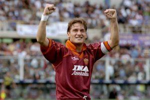 En 1997 toma la jineta de capitán de la Roma y no la suelta más. No por nada es Il Capitano de la Roma Foto:Getty Images. Imagen Por: