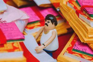 Crean juguete de Pablo Escobar Foto: Bito. Imagen Por: